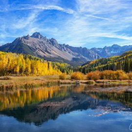 All shades of Fall: Hiking in Colorado Rockies